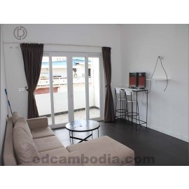 Modern 2 Bed - Street Front Entrance - For Sale